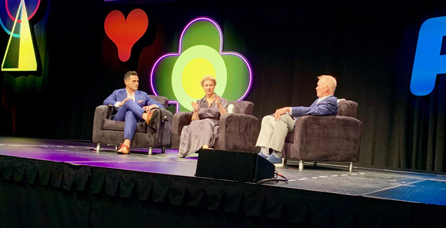 Jeni Britton Bauer of Jeni's Splendid Ice Creams and Joe DeLoss of Hot Chicken Takeover on stage at ASAE's 2019 Annual Meeting.