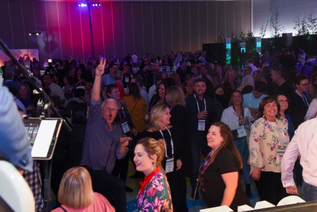 Partygoers at the conference gala held Thursday evening at the Vancouver Convention Centre as part of CSAE's 2019 Conference.